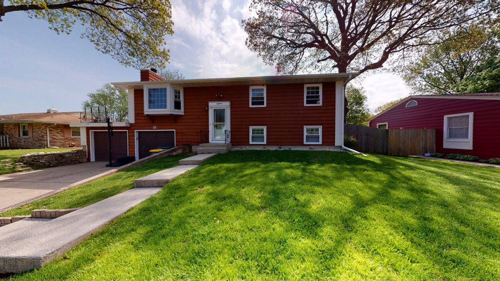 18-Knollwood Montgomery IL 60538 For Sale